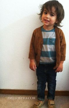 Baby T in classic hipster attire.  www.dailymenagerie.com