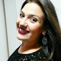 Uma estudante de jornalismo de 20 anos morreu atropelada na rodovia BR-153, na manhã de quinta-feira (7), em São José do Rio Preto (SP). Laura Karan Jacob era estagiária do jornal Diário da Região foi atingida por uma carreta enquanto cobria o acidente entre dois caminhões que interditou a rodovia durante