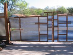 Распашные ворота из профнастила.