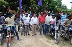 Sirilo De Los Santos celebra Día de los Padres a motoconchistas de La Victoria