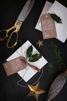 Image Via: Fräulein Klein Wrapping ideas Wrapping Gift, Christmas Gift Wrapping, Christmas Love, Diy Christmas Gifts, Winter Christmas, All Things Christmas, Holiday Gifts, Christmas Cards, Christmas Decorations