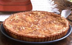 Tarte aux Poire Bourdaloue – Passa o Açúcar Chef Tv, Pie, Desserts, Food, Almond Meal, Poached Pears, Lemon Drops, Powdered Sugar, Torte