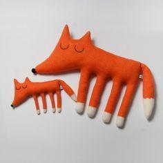 monty the fox #PinPantone