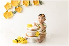 Yellow Cake smash for one year old birthday girl celebrated in Anaheim hills California. Pictures taken in studio to celebrate this milestone 1st Birthday Photoshoot, 1st Birthday Party For Girls, Yellow Birthday, Smash Cake Girl, Birthday Cake Smash, Girl Cakes, 1st Year Cake, First Birthday Photography, Baby Event