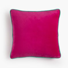 Cojín terciopelo rosa con ribete turquesa. Pink velvet cushion with turquoise piping.