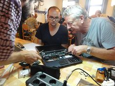 Reparaturcafé in Braunschweig - Freiwilligenagentur, Maue-Stiftung und Landeskirchliche Gemeinschaft Walkie Talkie, Electronics, Volunteers, Community, Consumer Electronics