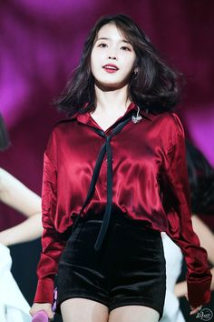 Top 10 Most Successful and Beautiful Korean Drama Actresses Estilo Fashion, Iu Fashion, Korean Fashion, Fashion Outfits, Kpop Girl Groups, Kpop Girls, Crying Girl, Kdrama Actors, Camille