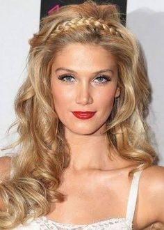 grecian goddess hair - Google Search Blonde Wavy Hair, Blonde Curls, Blonde Waves, Warm Blonde, Elegant Hairstyles, Pretty Hairstyles, Braided Hairstyles, Medium Hairstyles, Hairstyles Haircuts