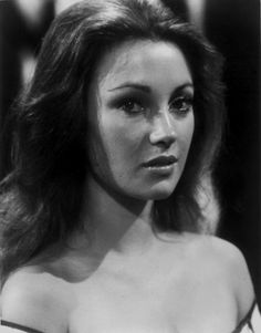 Jane Seymour Jane Seymour, Real Women, Beautiful Actresses, My Photos, Black And White, Writer, Hollywood, Collection, Movies