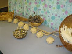 Irresistible Ideas for play based learning » Blog Archive » playdough and nature
