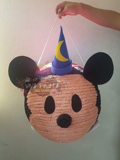 #Piñata #TsumTsum #MickeyMouse Llevás semanas buscando algún personaje y no logras encontrarlo? En #VivaPiñataFaxtory la creamos para tí