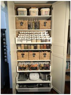 Kitchen Organization Pantry, Home Organisation, Pantry Storage, Ikea Kitchen Storage, Closet Organization, Storage Containers, Kitchen Pantry Design, Home Decor Kitchen, New Kitchen