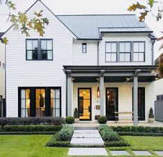 59 stylish home black and white house design exterior 1 Modern Farmhouse Exterior, White Farmhouse, Farmhouse Design, Farmhouse Style, Farmhouse Ideas, Craftsman Farmhouse, Exterior Paint, Exterior Design, Exterior Trim