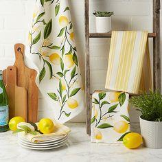 Lemon Kitchen Decor, Yellow Kitchen Decor, Kitchen Themes, Kitchen Ideas, Kitchen Redo, Lemon Centerpieces, Lemon Crafts, Spring Home Decor, Tray Decor