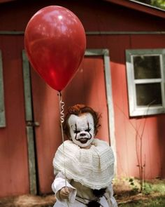 Fifth and last Pennywise picture by @eag2n with his brother 5/5 #pennywise #itmovie2017 #itmovie #halloween #pennywisemakeup