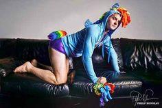 Bronies: quando i fan dei Mini Pony sono omaccioni adulti e pelosi