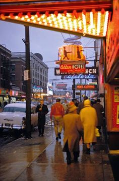 vintage everyday: Wonderful Color Photographs of Street Scenes from between the 1950s and 1970s