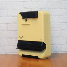Vintage Chef's Mark Electric Can Opener, Bag Sealer, Knife Sharpener - All in One Kitchen Appliance