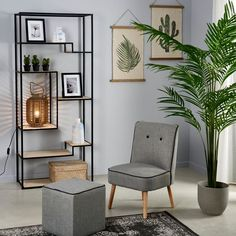 Bookcase Styling, Showroom Design, Brown Walls, Industrial Chic, Wall Shelves, Plank, Beautiful Homes, Sweet Home, New Homes