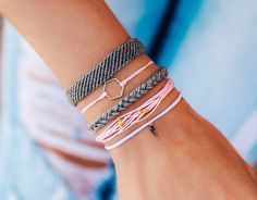 Pura Vida Bracelets®: Founded in Costa Rica - Handmade Bracelets Purvida Bracelets, Summer Bracelets, Bracelet Crafts, Bracelet Set, Handmade Bracelets, Fashion Bracelets, Fashion Jewelry, Diy Friendship Bracelets Patterns, Bracelet Patterns