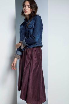 03dc343b583 Μπορείτε να βρείτε γυναικεία ρούχα,φόρεματα,μπλούζες,παπούτσια, φούστες,  accessories από