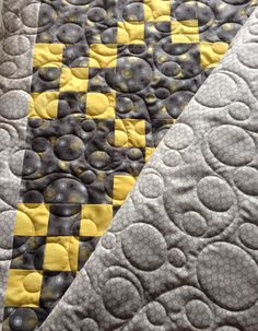 Joyce's quilt with edge-to-edge bubbles.  The quilting really made this one come alive with motion.  www.quilthollow.com