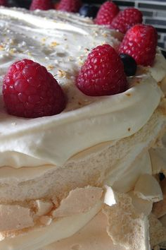 Lime Meringue Cake #glutenfree reluctantentertainer.com