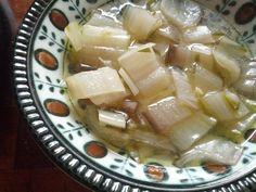 Swiss chard & Garlic soup : a helthy warm Apulian soup recipe www.easyitaliancuisine.com