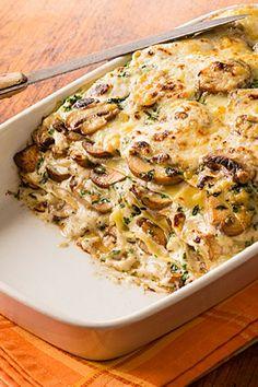Lasagne mit Pilzen in würziger Blauschimmel-Käse-Soße mit Hartkäse überbacken - lecker käsig - https://ich-liebe-kaese.de/rezepte/r/lasagne-mit-pilzen.html?rbt=thema