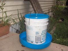 Easyfree Feeder - All Materials Recycled