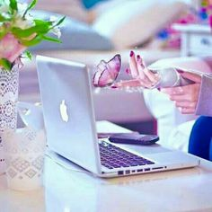 Thinking Of Getting A Laptop? Best Profile Pictures, Profile Picture For Girls, Dp Photos, Best Whatsapp Dp, Whatsapp Dp Images, Stylish Girls Photos, Stylish Girl Pic, Girly Pictures, Creative Pictures