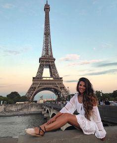 Stephanie Abu-Sbeih legs