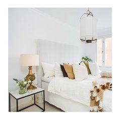 Buenas noches! Hoy en el blog un piso nórdico con una mezcla de estilos sencilla y muy acogedora  FICHAJES DECO ---> http://ift.tt/1w0PeID #fichajesdeco #estilonordico #nordicstyle #nordiconspiration #decoraciondormitorio #bedroom #bedroomdecor #mezcladeestilos by tres_studio
