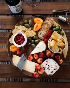 Fromage Resin Board with Grapes /& Vines