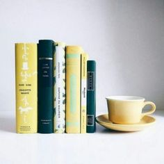 ivebeentothewonderland: By mylittlebooktique via. - Tea, Coffee, and Books Book Aesthetic, Aesthetic Photo, I Love Books, Books To Read, Atelier Photo, Book Instagram, Poses Photo, Beautiful Book Covers, Coffee And Books