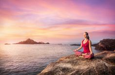 Researchers have discovered the link between yoga and reduced symptoms of depression. If you're struggling, here's why you should give yoga a try. Meditation Retreat, Meditation Music, Mindfulness Meditation, Prayer For Today, Spiritual Teachers, Spiritual Music, Spiritual Awakening, Relaxing Music, Calming Music