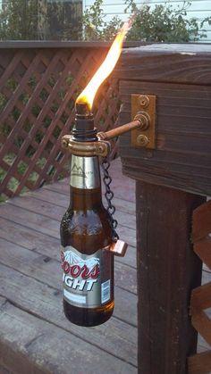 Faire une torche avec une bouteille de bière !
