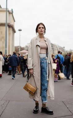Winter Street Style - Stylish Holiday Shopping Outfits ...