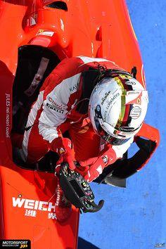 """Formel 1 2015, Ungarn GP, Budapest, Sebastian Vettel, Ferrari; auf dem Wagen """"Jules nei nostri couri"""" - """"Jules du wirst immer in unserem Herzen sein"""""""