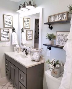 Beautiful Urban Farmhouse Master Bathroom Makeover - Future Home - Bathroom Decor Diy Home Decor Rustic, Wall Groupings, Diy Bathroom Decor, Bathroom Remodeling, Remodeling Ideas, Hall Bathroom, Bathroom Storage, Bathroom Organization, Organization Ideas