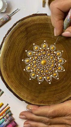 Dot Art Painting, Rock Painting Designs, Mandala Painting, Mandala Drawing, Stone Painting, Mandala Painted Rocks, Mandala Rocks, Mandala Canvas, Mandala Art Lesson