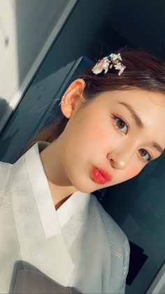 Korean Girl, Asian Girl, Im Nayoung, Happy Lunar New Year, Jeon Somi, Bts Aesthetic Pictures, Korean Makeup, Photo Cards, Kpop Girls