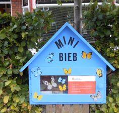 De minibieb in de heg van de Mackaystraat 22 te Delft