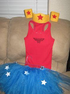 wonder woman costumes   amayabella.etsy.com Adult Superhero Costumes, Superhero Capes, Adult Costumes, Woman Costumes, Halloween 2013, Diy Halloween Costumes, Holidays Halloween, Halloween Crafts, Diy Cape
