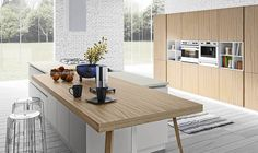 Fabulous Italian Kitchens Unravel Space-Savvy Design Solutions