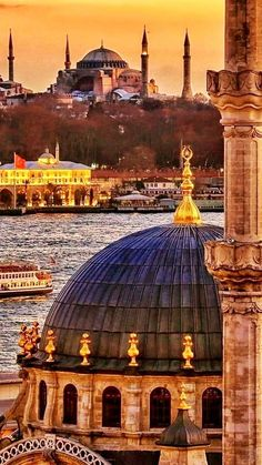 Best hotel in Istanbul - Live Wallpapers Travel Route, Places To Travel, Places To Visit, Istanbul City, Istanbul Travel, Budapest, Beautiful Mosques, Beautiful Buildings, Best Hotels In Istanbul
