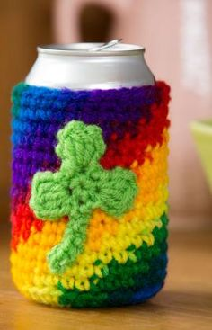 Shamrock Can or Bottle Cozy ~ free printable instructions