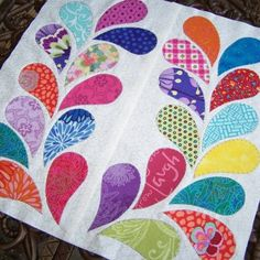 How to do Big Stitch Hand Quilting with Perle Cotton tutorial Hand Quilting Designs, Quilting Projects, Quilting Ideas, Quilting Board, Applique Quilt Patterns, Applique Designs, Embroidery Designs, Jellyroll Quilts, Scrappy Quilts
