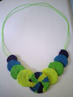 The World's Best Photos of macrame Crochet Butterfly Pattern, Crochet Flower Scarf, Crochet Necklace Pattern, Knitted Necklace, Crotchet Patterns, Diy Necklace, Macrame Earrings, Macrame Jewelry, Micro Macramé