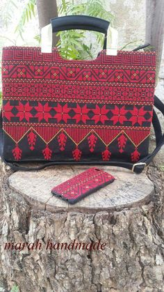 Cross Stitch Borders, Cross Stitch Flowers, Cross Stitch Patterns, Cross Stitch Embroidery, Embroidery Patterns, Palestinian Embroidery, Sleeves Designs For Dresses, Embroidered Bag, Needlepoint